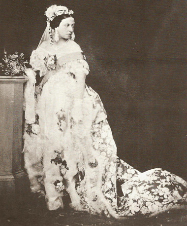 queen_victoria_wedding_dress2