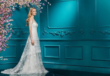 Články Ellis Bridals 2018  Svadobné šaty so 100-ročnou tradíciou ... 237eebd2b85