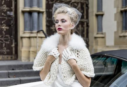 a230d69a0953 Výstavy Zimný špeciál  ručne pletené svetríky na svadobné šaty ...