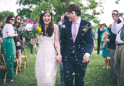 acbd1c753dcd Výstavy Svieže jarné svadobné tipy plné kvetov!