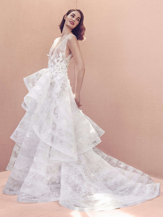 c2afc6f442dc Svadobné šaty Ashi Studio  Nech žije extravagancia! Svadobné šaty Manu  Garcia  Vo svetle romantického Paríža. 11. 12. 13