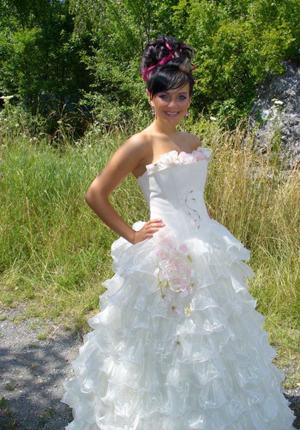 f6bc81f60a5d margo 1. Požičiavame a predávame svadobné šaty ...