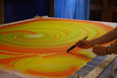 V ručne maľovaných šatách ste mohli vidieť aj víťazku Slovenky roka 2012 v  kategórii šport - Hanu Kolníkovú. a8289166a5e