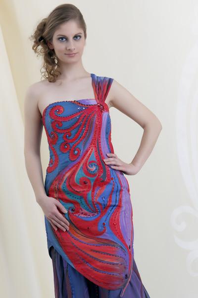 e8445ce30ff0 Salón Ľubica  Svadobné aj ručne maľované šaty
