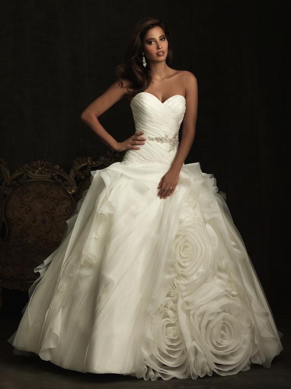 d1d04b3bec6f Nádherné extravagantné a zároveň romantické svadobné šaty Allure Bridals  8918. Ľahká organza
